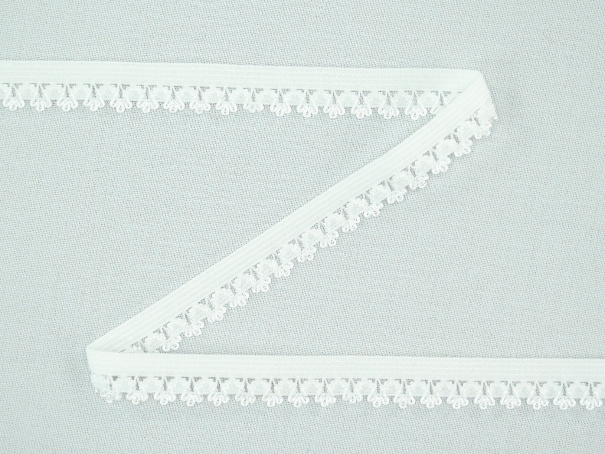 Elastic Binding Ribbon with flowers, off-white 14 mm