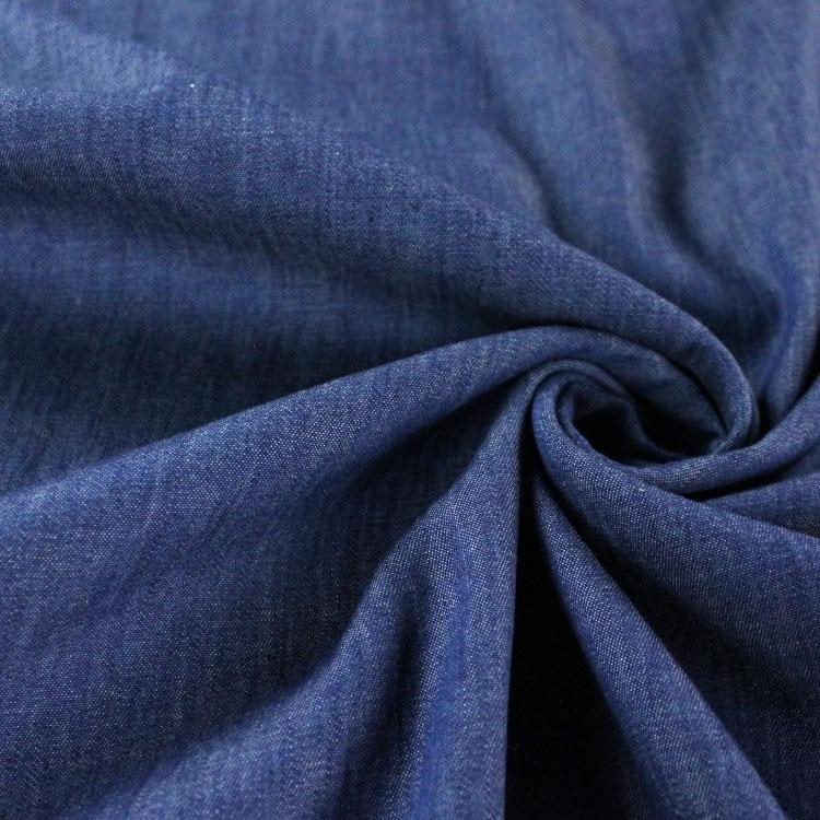 Leichter Jeansstoff in Mittelblau