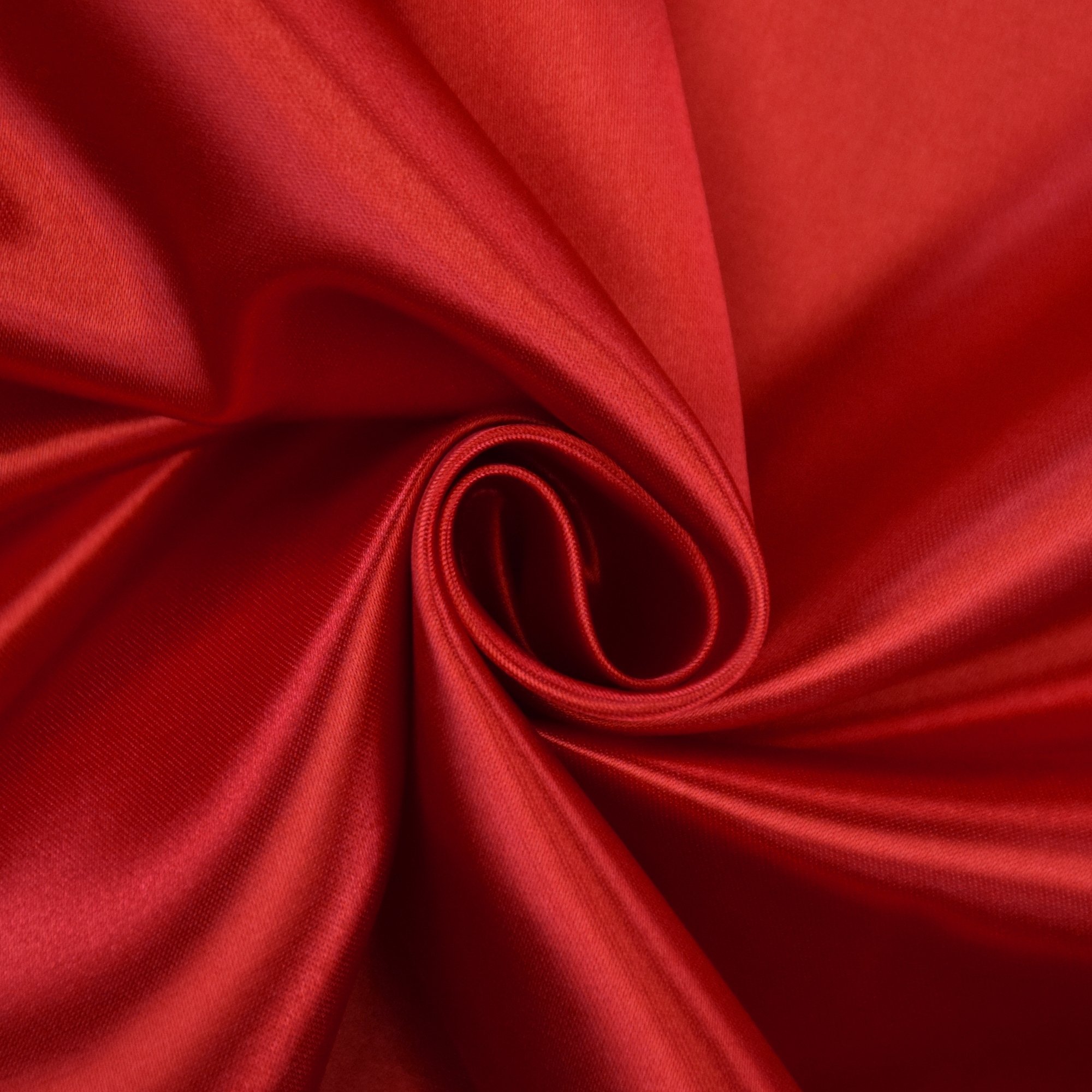 Satin de polyester rouge